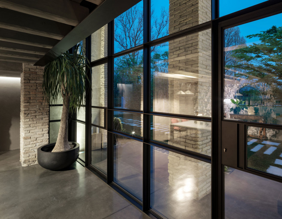 concrete-cement-floor-interior-exterior