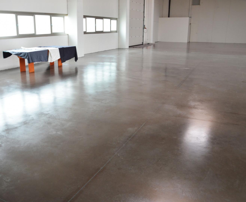 Pavimenti In Cemento Industriale : Pavimenti industriali in cemento pavimento in cemento resina